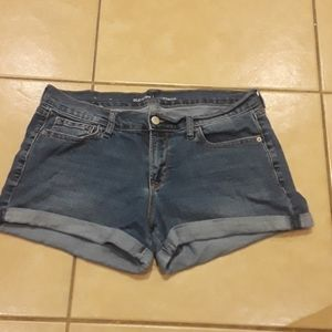 Old navy shorts ladies  size 8
